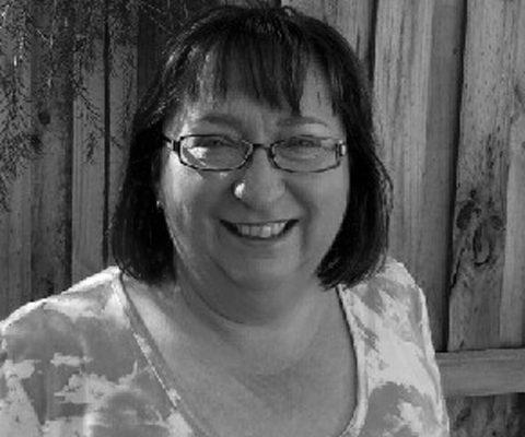 Dr Angela Bennett